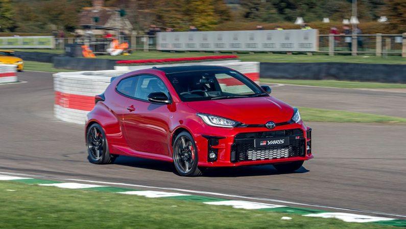 Toyota GR Yaris debutta in pista alla Goodwood Speedweek