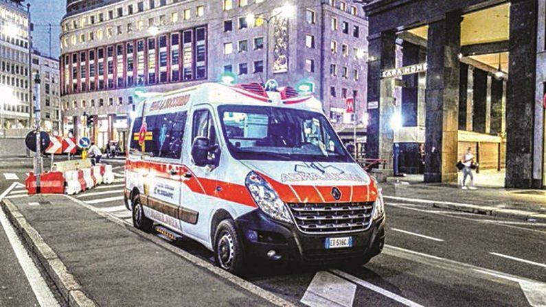 IL FLOP CHE SI POTEVA EVITARE Mancano medici, infermieri e ambulanze Sanità lombarda già in tilt: ed è solo l'inizio