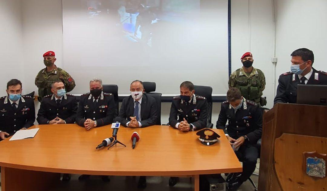La conferenza stampa degli inquirenti con al centro il procuratore Gratteri