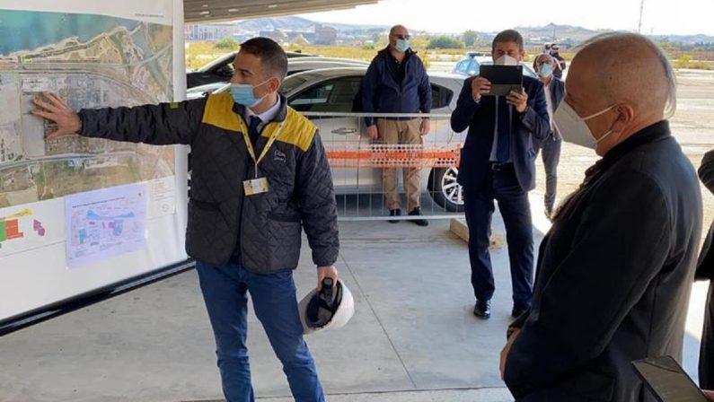 L'assessore regionale De Caprio: «Un commissario per la bonifica del Sin di Crotone»