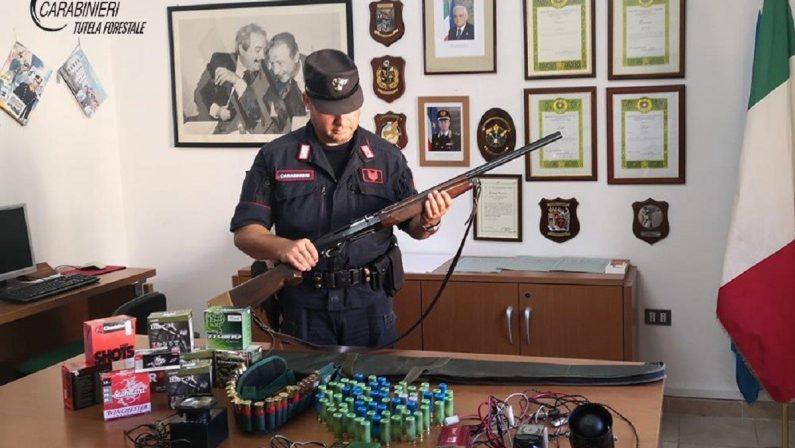 Utilizzava strumenti vietati per la caccia, scoperto e denunciato un uomo a Corigliano Rossano