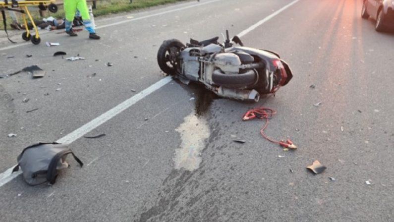 Ancora un incidente mortale sulla Statale 106: perde la vita un uomo di 41 anni a bordo di un ciclomotore