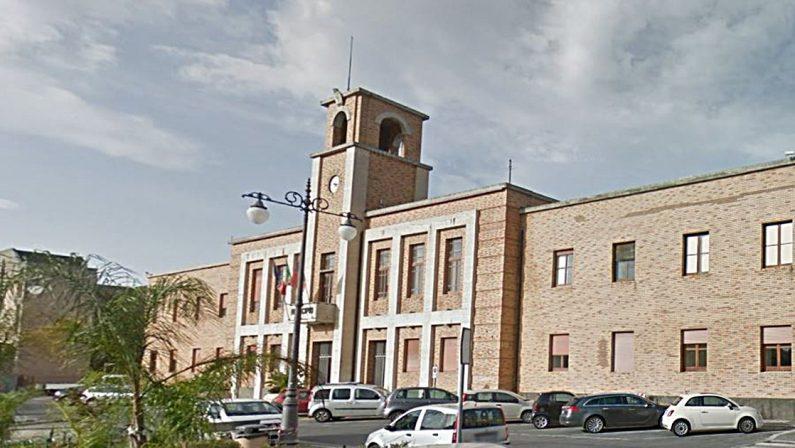 Lavori alla rete idrica di Vibo Valentia, il sindaco chiude le scuole di ogni ordine e grado
