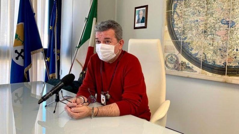 Coronavirus, il lavoro di Spirlì e l'ordinanza restrittiva per la Calabria: «Vi prego di rispettarla»