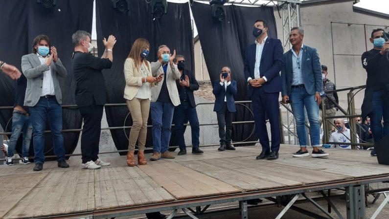 Salvini a Taurianova: «Consideratemi uno di voi». Presenti alcuni contestatori