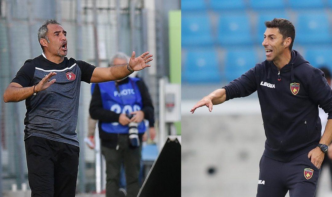 Gli allenatori di Reggina e Cosenza, Mimmo Toscano e Roberto Occhiuzzi