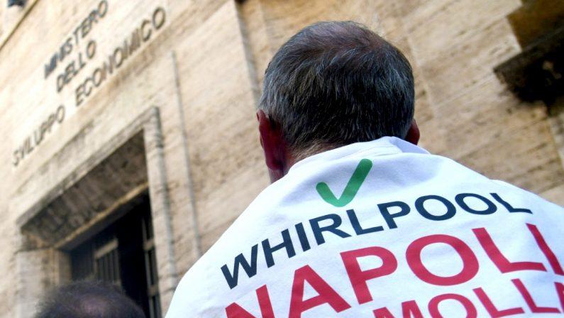 WHIRLPOOL CHIUDE A NAPOLI SCONTRO TRA GOVERNO E AZIENDA