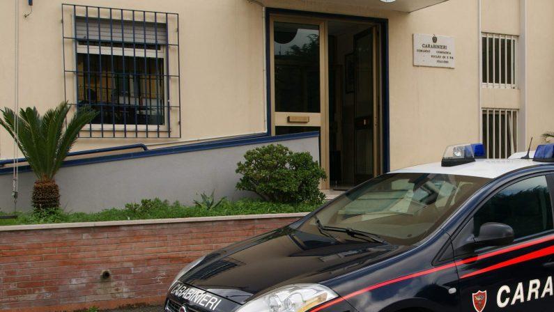Tenta il suicidio in macchina: 70enne salvato in extremis dai carabinieri