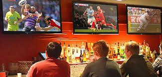 Acerra, il sindaco: divieto di trasmettere e assistere alle competizioni sportive all'interno di bar e sale scommesse