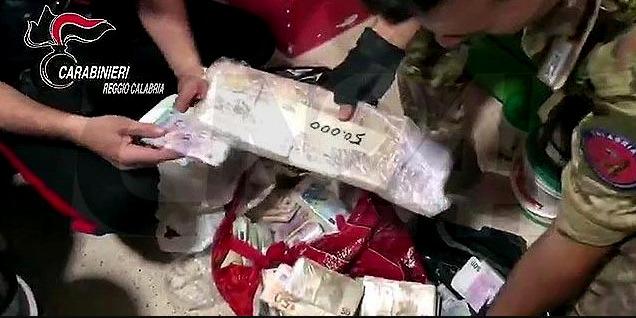 'Ndrangheta: confiscati beni a imprenditore reggino, aveva anche 1 milione di euro in contanti