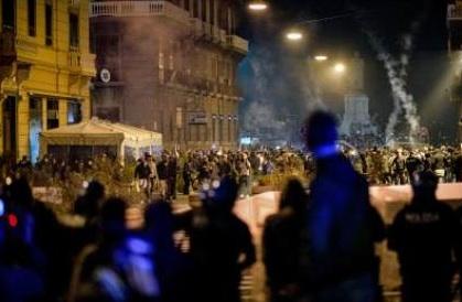 Guerriglia Napoli: Ciarambino, patto tra le istituzioni e i cittadini