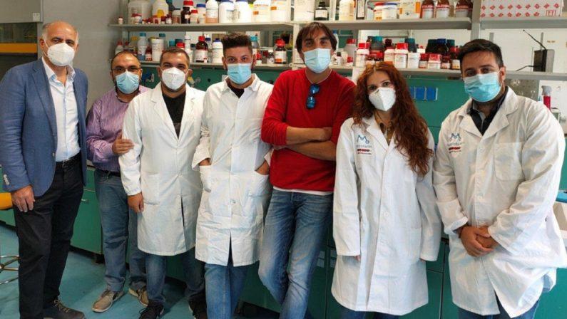 """Covid, gli """"anticorpi Unical"""" bloccano la riproduzione del virus"""