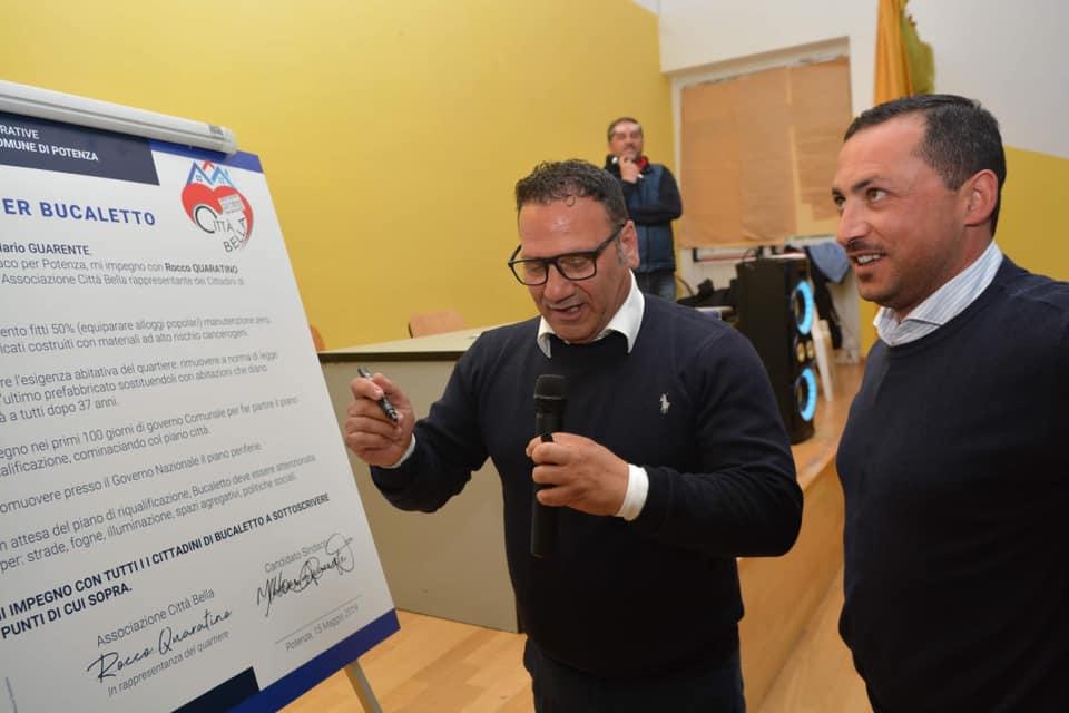 Rocco Quaratino (a sinistra) con il sindaco di Potenza, Mario Guarente