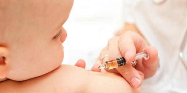 Niente vaccini ai pediatri  di famiglia: Asl di Avellino sotto accusa