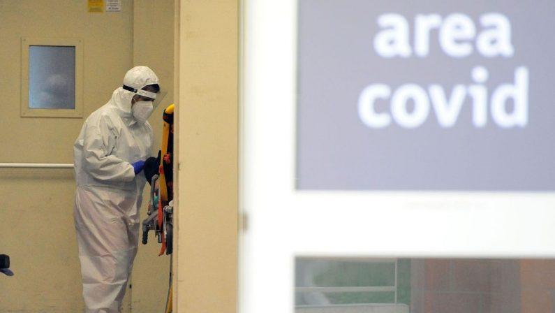 Coronavirus in Calabria: oltre 500 casi e 10 decessi, in crescita ricoveri e tasso di positività