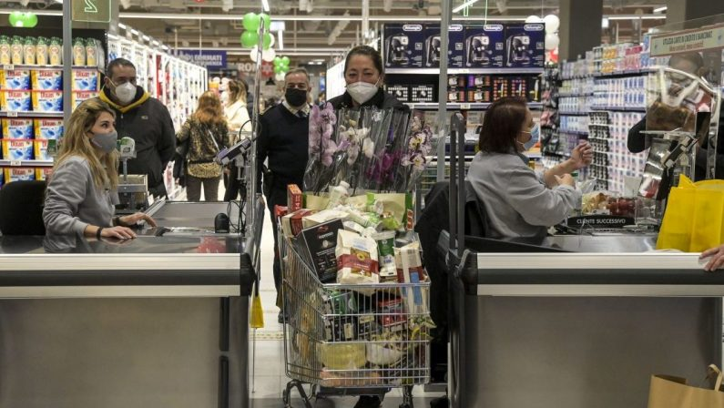 Prezzi, Italia in deflazione per il settimo mese consecutivo