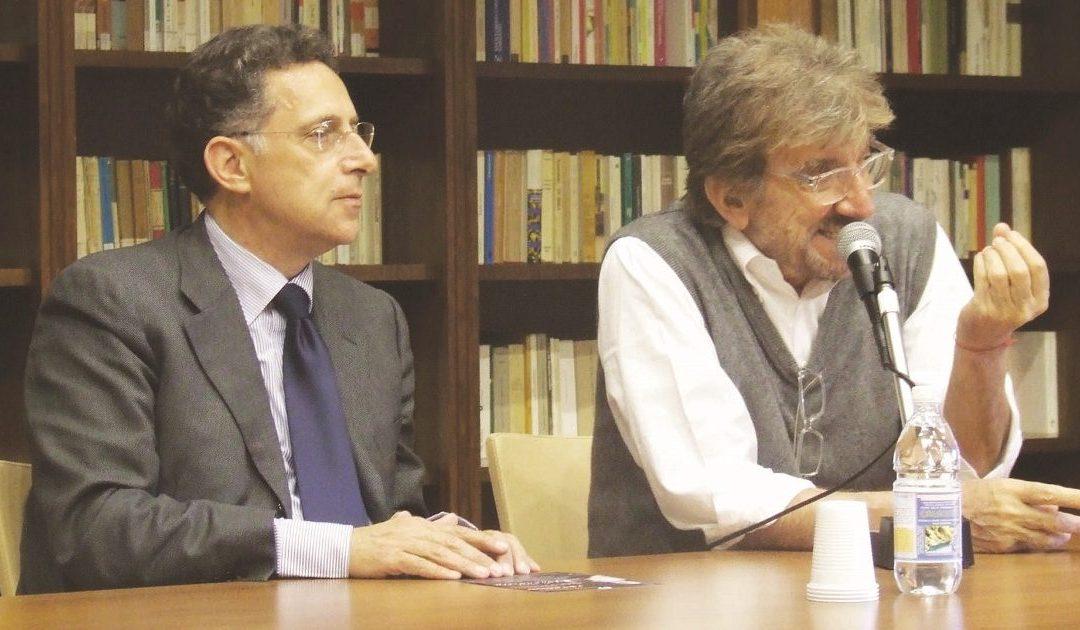Maggio 2010: l'assessore alla Cultura del Comune di Catanzaro Antonio Argirò con Gigi Proietti incontrano le compagnie teatrali