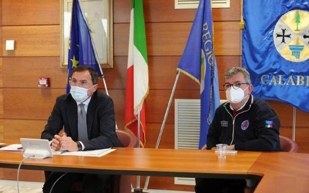 Il ministro Francesco Boccia insieme a Nino Spirlì