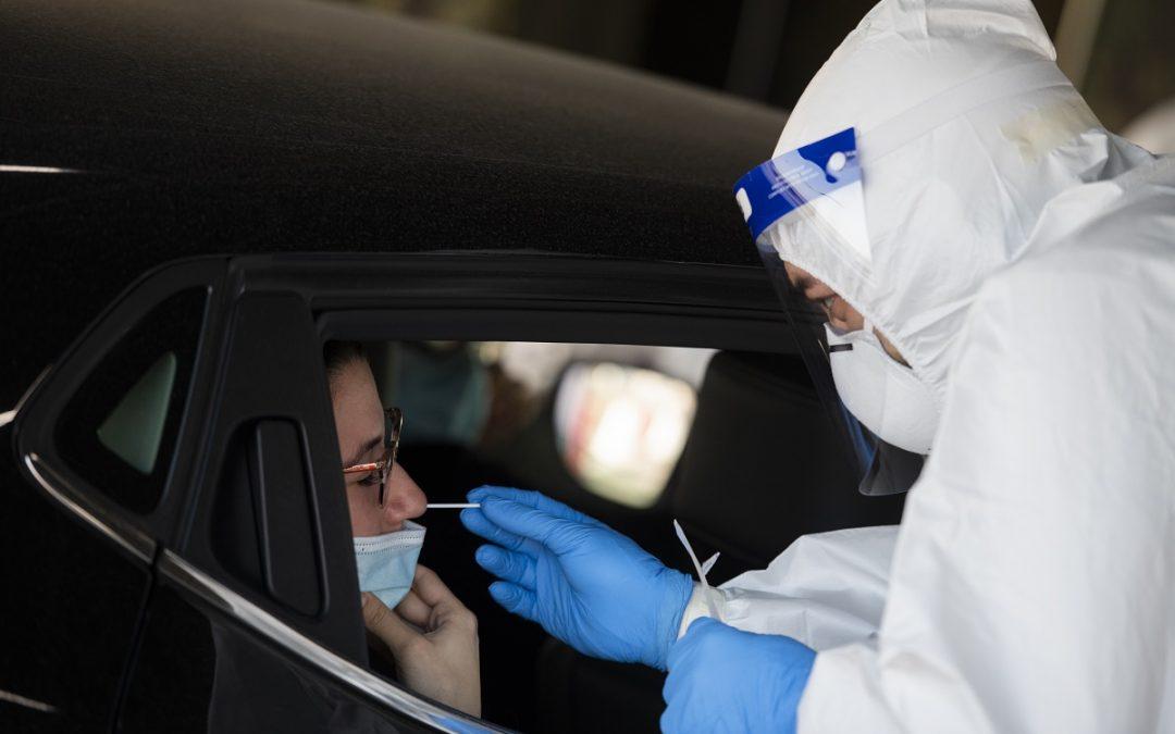 Coronavirus in Italia: 36.176 nuovi casi e 653 morti, stabile il rapporto tra positivi e test