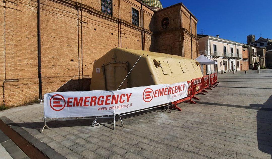 Il tendone di Emergency a Polistena