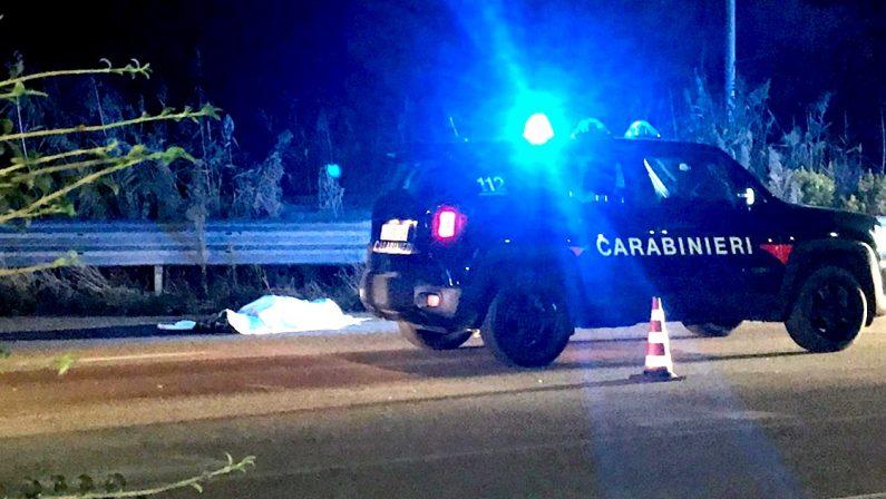Uomo travolto da un'auto perde la vita nel Catanzarese