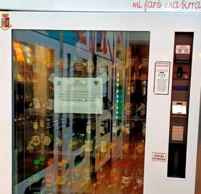 Il distributore automatico sequestrato