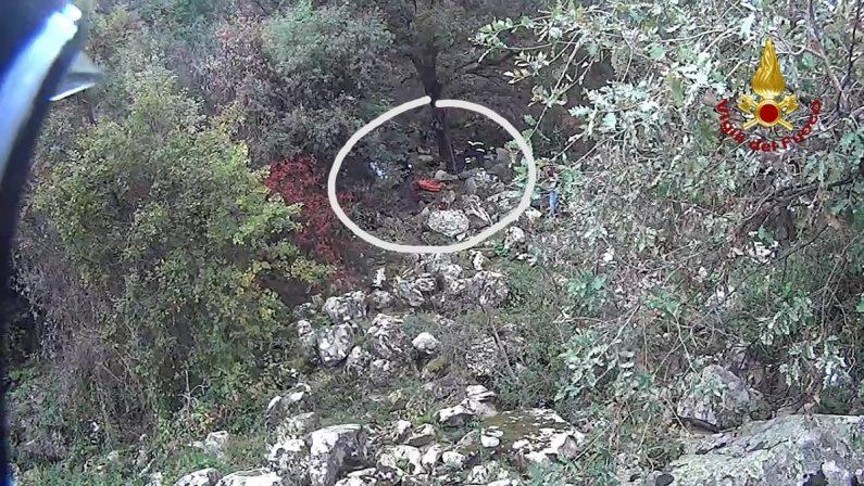 Uomo di 57 anni perde la vita mentre cerca funghi, sarebbe scivolato in un burrone nel Catanzarese