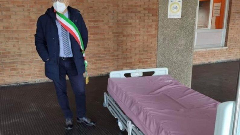 Il sindaco di Trebisacce blocca il trasferimento dei letti dall'ospedale di Trebisacce a quello di Cetraro