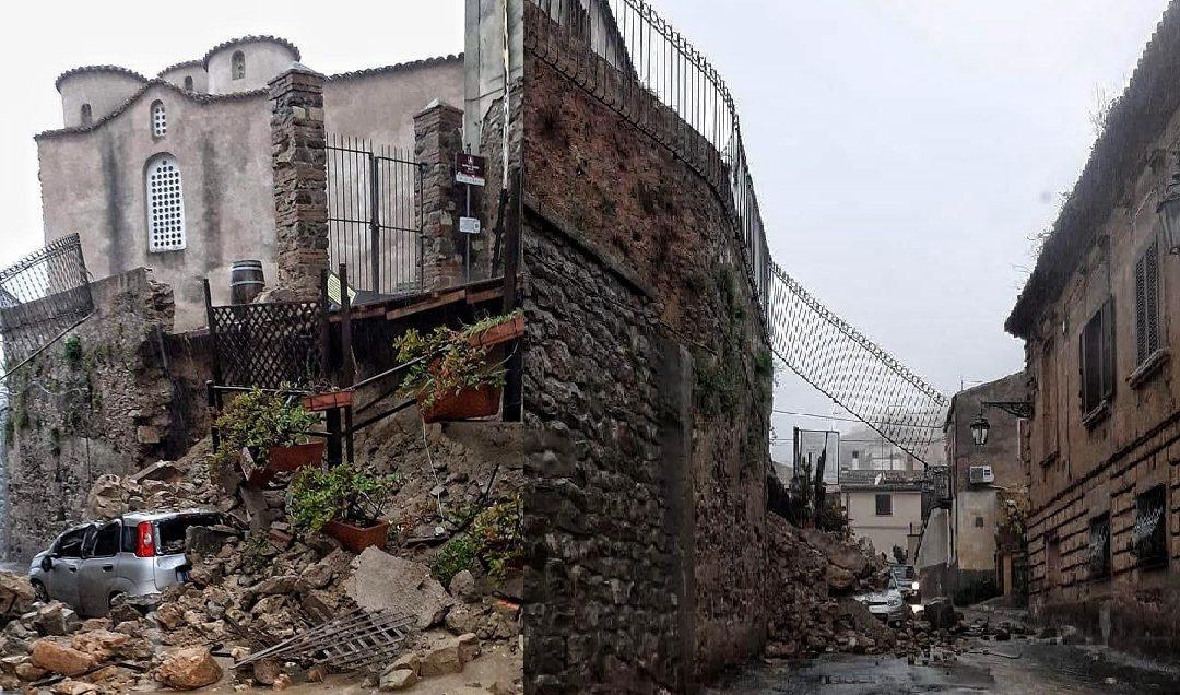 Il muro crollato visto da due angolature