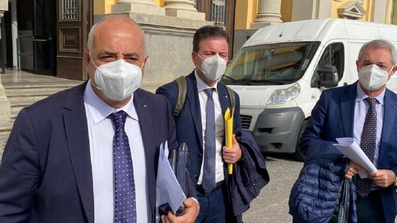 Sanità in Calabria, i segretari regionali di Cgil, Cisl e Uil presentano denuncia in Procura e alla Corte dei Conti