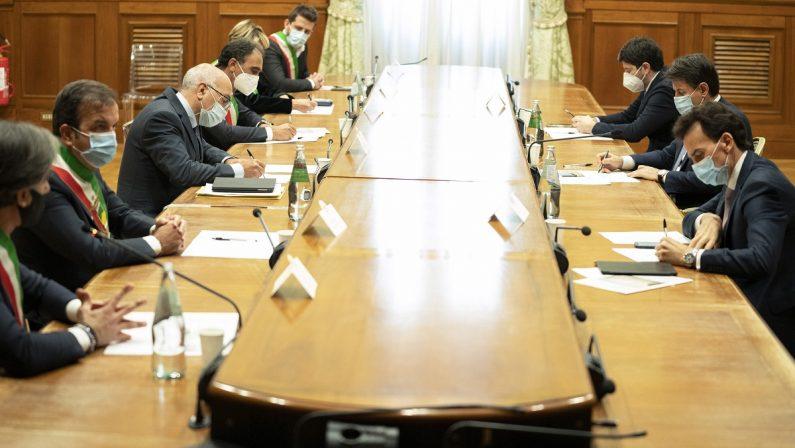 Conte ai sindaci calabresi: «Massima attenzione per la vostra regione»