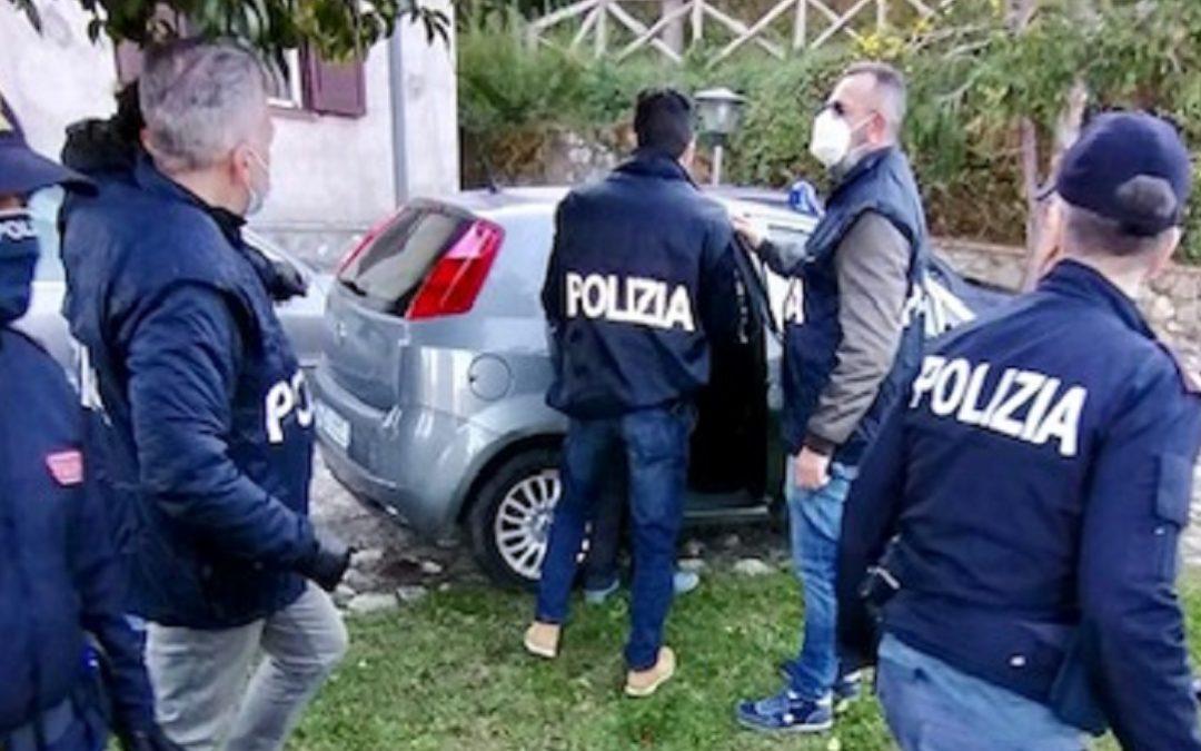 L'arresto operato dalla Polizia