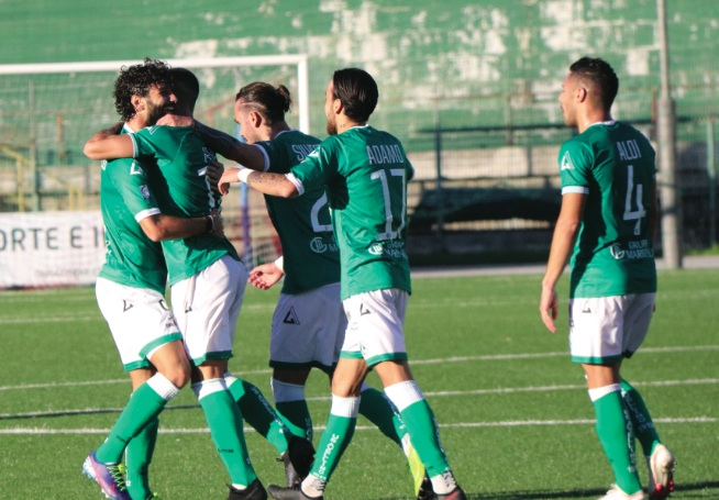 Covid, focolaio tra i giocatori dell'Avellino, gara rinviata
