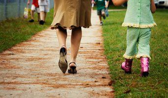Covid, il sindaco Giugliano: minori in strada solo accompagnati