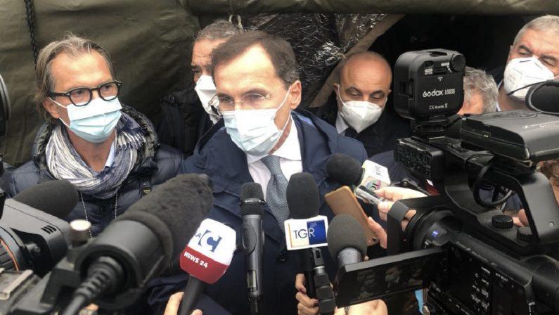 Ospedale da campo a Cosenza, Boccia: «Serviva aiuto dello Stato». Borrelli: «Calabria avrà quello di cui ha bisogno»