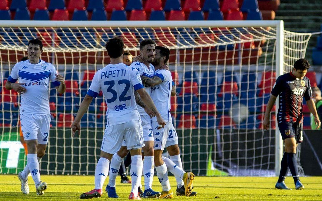 I giocatori del Brescia esultano dopo il gol dello 0-2