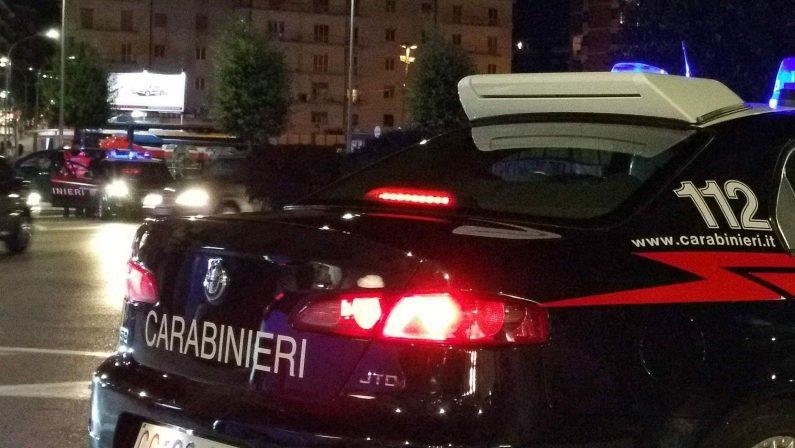 Avellino, all'alt dei carabinieri si da alla fuga e si schianta contro due auto in sosta: arrestato