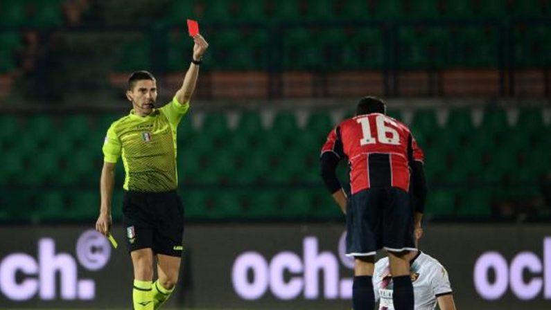 Cosenza-Salernitana, da 12 a 10 uomini in pochi minuti per il pasticcio cambi: pronto il reclamo del club