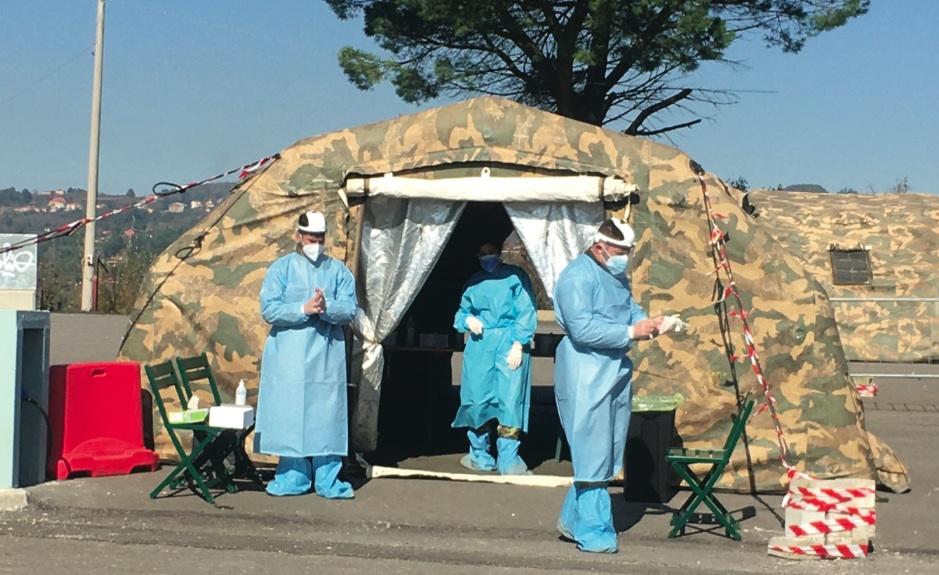 Covid Drive, file per i tamponi Festa: strutture per la quarantena