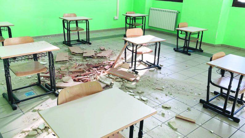 «Sarebbe stata una tragedia con la scuola aperta»: crollo in aula, alunni salvi grazie alla Didattica a distanza