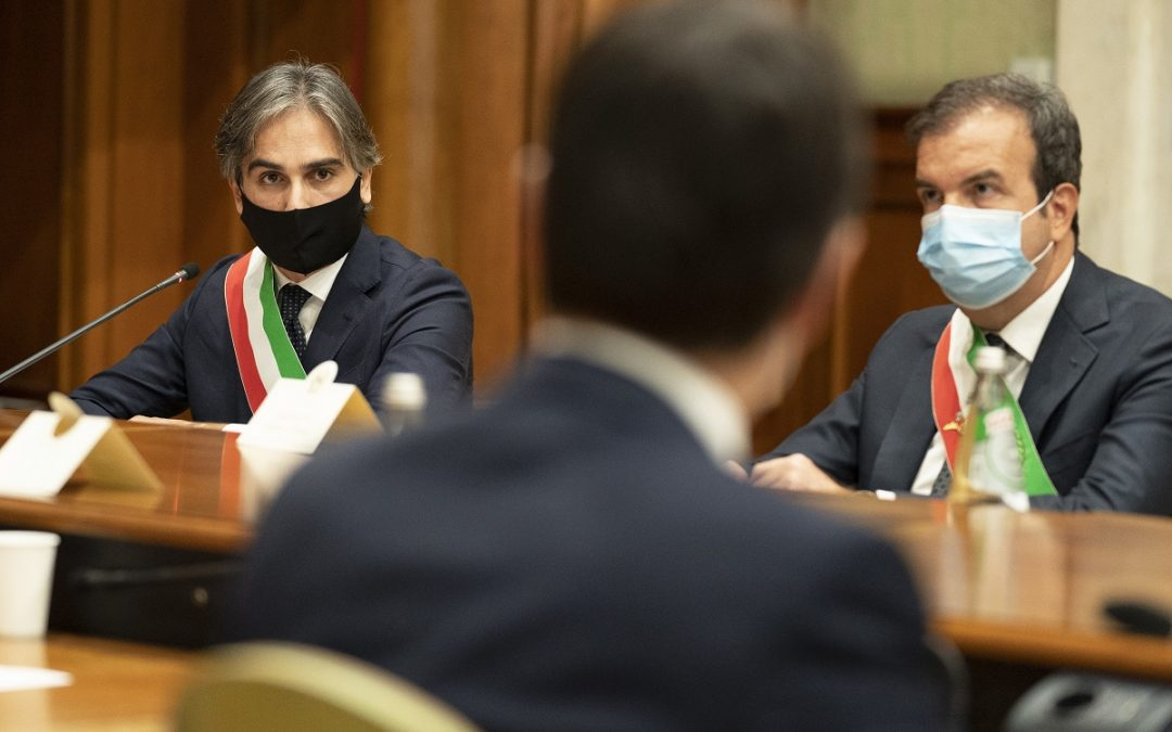 FOTO – I sindaci calabresi ricevuti da Conte e Speranza a Palazzo Chigi