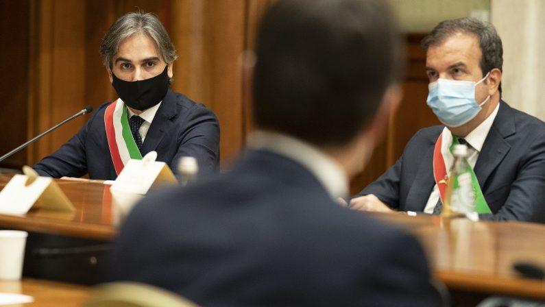 FOTO - I sindaci calabresi ricevuti da Conte e Speranza a Palazzo Chigi