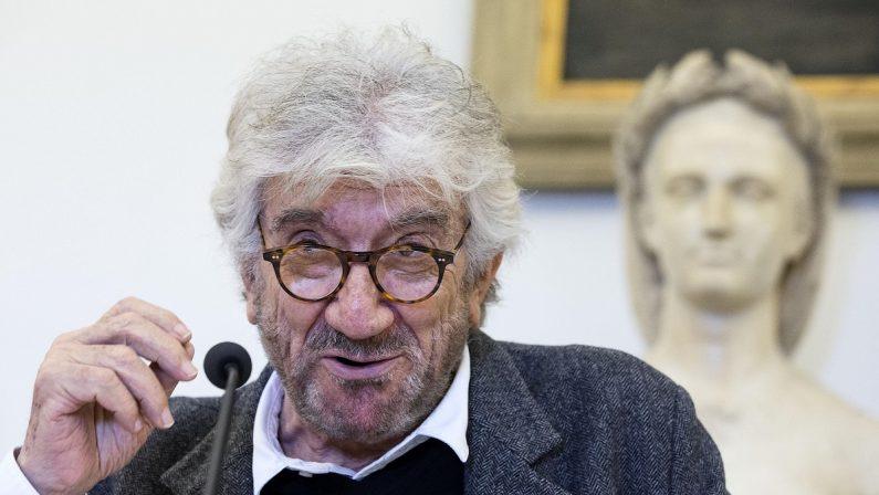 Addio a Gigi Proietti, l'attore romano è morto nel giorno del suo 80esimo compleanno