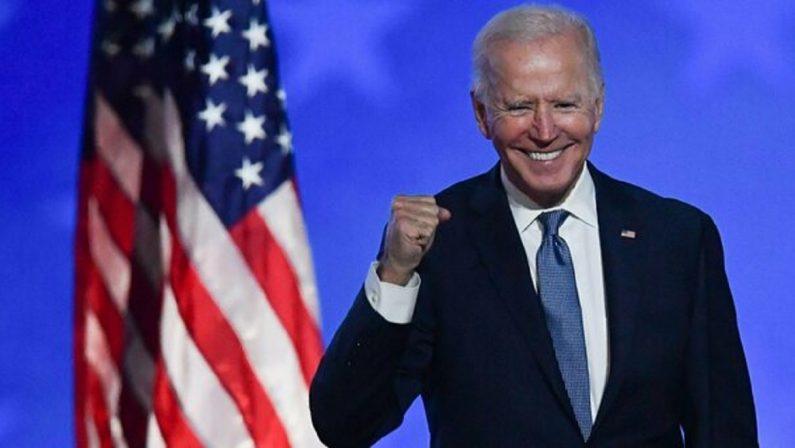 Coronavirus, Biden: «Stop all'obbligo di mascherina per gli americani vaccinati»