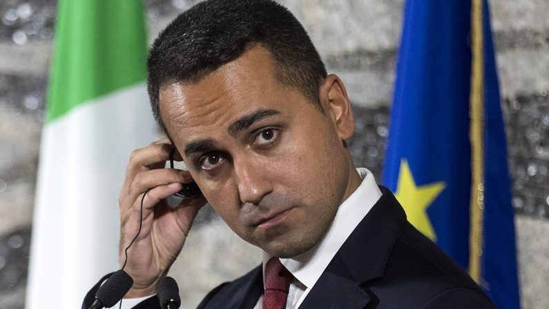 Covid, Di Maio: i campani pagano gli errori di De Luca