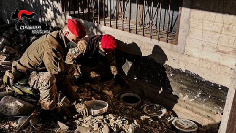 Quasi 17 chili di cocaina e oltre 5 milioni di euro in contanti, due arresti a Locri