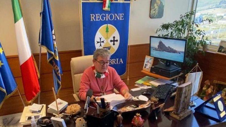 Calabria in zona arancione nonostante i numeri. Spirlì: «Ma siamo ancora troppo esposti al virus»