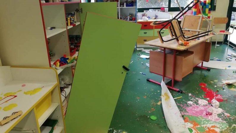 Vandali devastano la scuola dell'infanzia di Reggio Calabria nel quartiere Arghillà