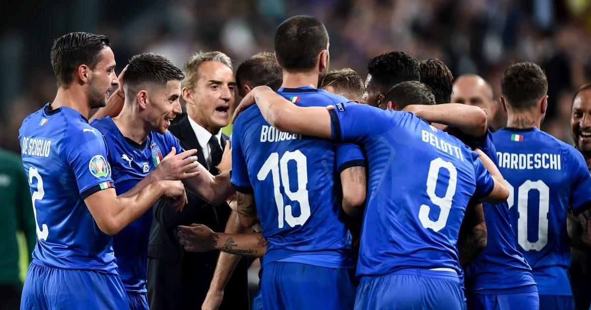 Giocatori Italia e Roberto Mancini