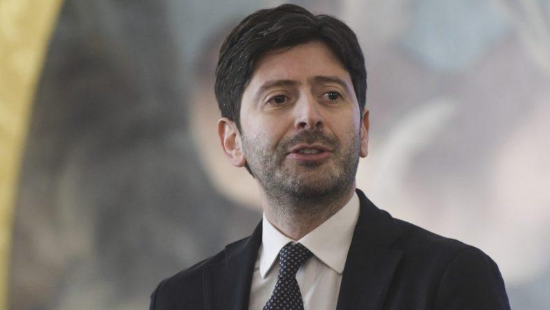 Coronavirus, Speranza firma nuove ordinanze, 5 regioni tornano Gialle. Solo l'Abruzzo in area Rossa
